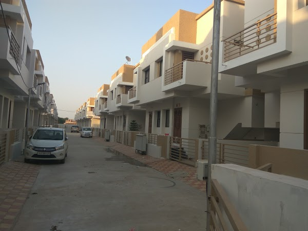 Read Shree Hari Duplex, Vadodara Reviews