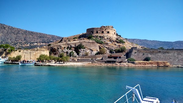 Read Spinalonga Reviews